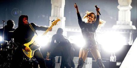 Au Stade de France, Rihanna remercie Paris - Le Monde | Rap , RNB , culture urbaine et buzz | Scoop.it