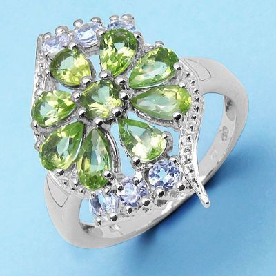 2.39CTW Genuine Peridot & White Topaz .925 Sterling Silver Ring   Online Jewellery Shopping in India   Scoop.it
