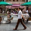 Most of us prefer walkable neighborhoods, but house still trumps an apartment | Inman News | Understanding the American Neighborhood | Scoop.it