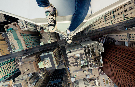 Rooftopping, Taking Death Defying Photos From the Tops of Buildings   Everything Photographic   Scoop.it