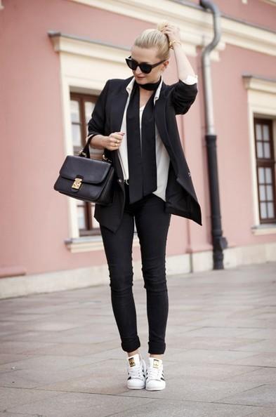 5 façons stylées de porter les Adidas superstar pour femme | News mode | Scoop.it