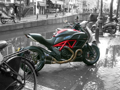 Ductalk PhotosOfMotos | pain423 | deviantART | Ducati Diavel In Amsterdam | Ductalk | Scoop.it