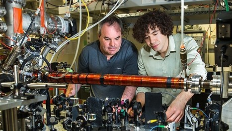 Wheeler's delayed-choice gedanken experiment confirmed with a single atom | Amazing Science | Scoop.it