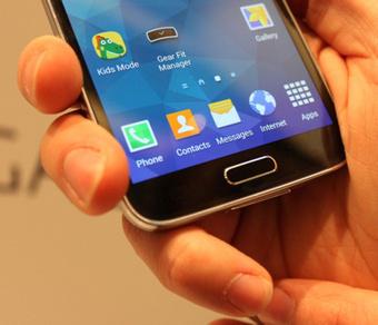 13 exemples de ce que vous pouvez faire avec le Galaxy S5, mais pas avec un iPhone   Actualité mobile, trucs et astuces   Scoop.it