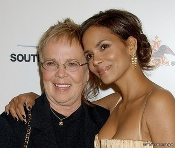 Halle Berry and her Mom Judith Ann Hawkins | Mixed American Life | Scoop.it