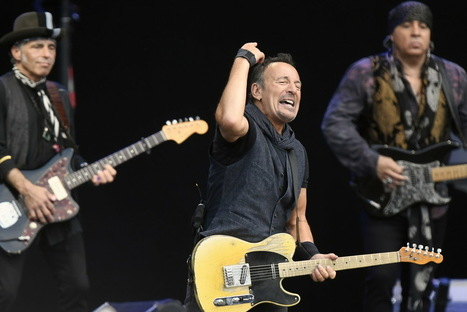 For Springsteen faithful, 1 song lights up the night - News - NorthJersey.com | Bruce Springsteen | Scoop.it