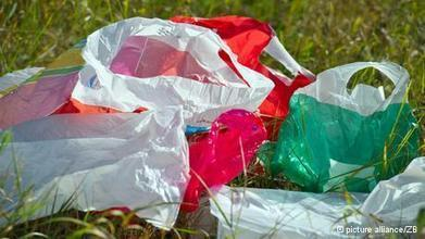 European Commission aims to drastically reduce plastic bag use | News | DW.DE | 04.11.2013 | Eco-innovation in the EU | Scoop.it