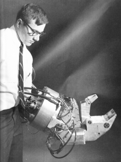 1965-71 - G.E. Hardiman I Exoskeleton - Ralph Mosher (American) - cyberneticzoo.com   Interactive tools & reference   Scoop.it