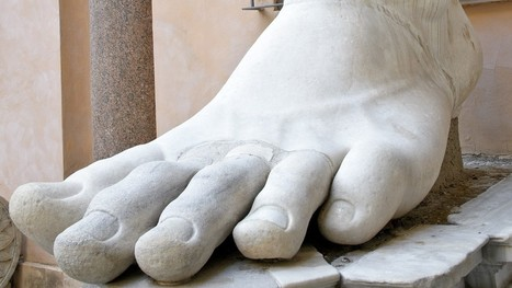 My kid's man-size feet are costing me a fortune | Digital Foot Universe | Scoop.it