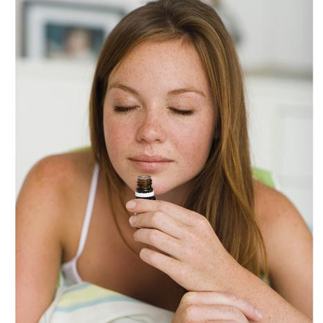 Stress, manque d'énergie... Les bienfaits des huiles essentielles - Plurielles.fr | Huiles Essentiels | Scoop.it