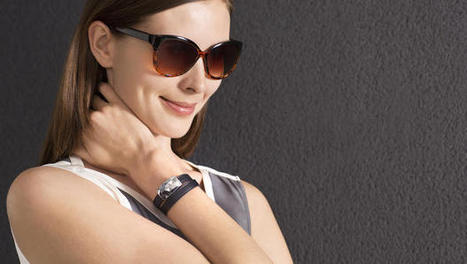 This Photovoltaic Bracelet Knows When You've Had Too Much Sun | digital jewelry jewellrey | Scoop.it