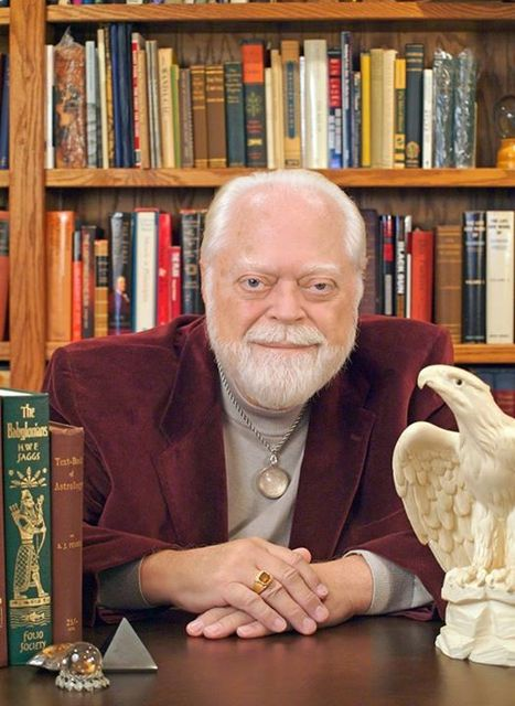 Carl Llewellyn Weschcke passed peacefully on Saturday, November 7 2015 | Witchcraft and Paganism | Scoop.it