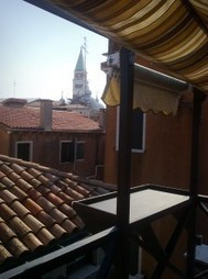 Private aperitif on a terrace overlooking the rooftops of Venice   Travel different   Scoop.it
