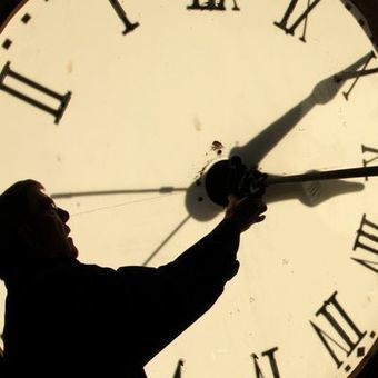 Daylight saving time has a way of cleaning your clock | Troy West's Radio Show Prep | Scoop.it