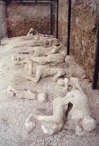 Mount Vesuvius, Italy: Map, Facts, Eruption Pictures, Pompeii   classics-awesomeness   Scoop.it