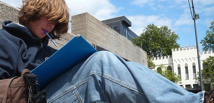 Students Found to Rely on Pirated Textbooks to Save Costs | Livre et numérique | Scoop.it