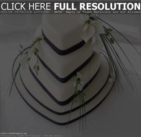 Heart Wedding Cakes Combine White Color and Little Purple - Wedding HD Pictures | News | Scoop.it