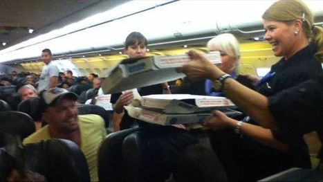 Frontier Airlines pilot buys pizza for stranded passengers on flight | Marketing | Scoop.it