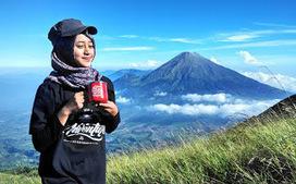 Profil Siska Kusmayanti, Sebarkan Indahnya Gunung Lewat Instagram [Traveler Profile] | KONTES SEO TERBARU | Scoop.it