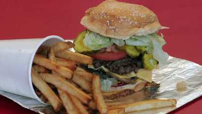 Five Guys voted favorite burger chain, McDonald's near bottom - [AMERICAN FAST-FOOD] | Food, Bakery & Restaurant Business all over the world | Scoop.it