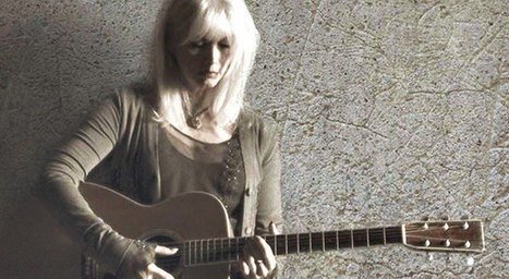 """Emmylou Harris: Today's Country Music Isn't """"Washed In The Blood"""" 