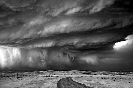 "Photographing Monster Storms - lens culture photography weblog | ""Cameras, Camcorders, Pictures, HDR, Gadgets, Films, Movies, Landscapes"" 