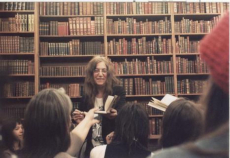 New York : Patti Smith prend fait et cause pour les bibliothèques publiques | Innovation en BM et CDI | Scoop.it
