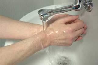 Se laver davantage les mains pour réduire les infections nosocomiales | vigilances sanitaires | Scoop.it