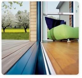 Une porte coulissante en aluminium, pour une plus belle vue sur le monde | Avis Serplaste | Scoop.it