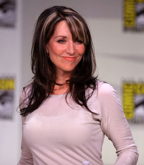 Katey Sagal (Gemma Teller Morrow) As Peg Bundy, Bobby Sheehan / John Popper Of Blues Traveler, Pauly Shore, The Black Crowes, And The Sons Of Anarchy | Christmachine.com | Dance Music Electronic - Hard On Club | Scoop.it
