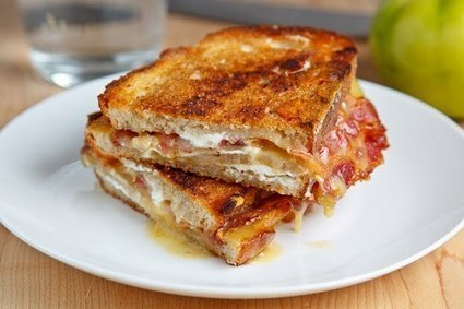 Grilled Brie and Goat Cheese Sandwich with Bacon and Green Tomato | Really interesting recipes | Scoop.it