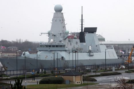 Royal Navy destroyer HMS Dauntless returns home to the River Tyne - The Journal | In the Navy.. | Scoop.it