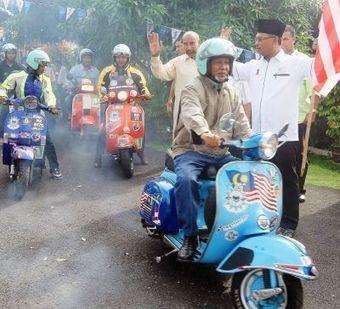 Malacca CM turns nostalgic at sight of Vespa | Vespa Stories | Scoop.it