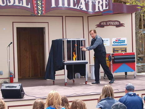 READER SUBMITTED: 'Vegas-Style' Illusions Take Center Stage In New ... - Hartford Courant | Mind Reading Tricks | Scoop.it