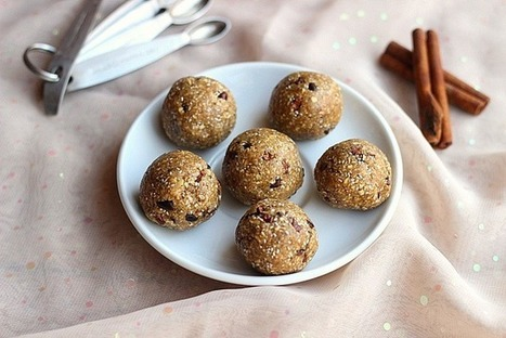 No-Bake Chocolate Chip Cookie Dough Balls (Date-Free, Vegan) | Oatmeal with a Fork | My Vegan recipes | Scoop.it
