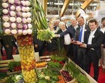 La Fugea offre des produits blancs aux ministres de l'agriculture | Revue de presse agricole de la FUGEA | Scoop.it