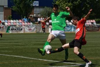 El CD Montcada sentencia el Ripollet amb un 2 a 0 | La Veu | Deportes | Scoop.it