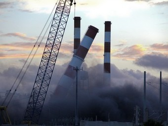 Florida Blasts Away Old Power Plant to Make Way for New | Chris's Geography Portfolio | Scoop.it