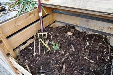 Compost Gardening Solutions: Heaps of Goodness - LifeStyle HOME | sustainablehomes | Scoop.it