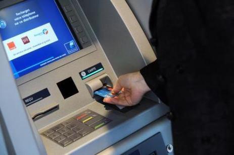 Les Français plébiscitent la carte bancaire et boudent les nouveaux moyens de paiement | ParisBilt | Scoop.it