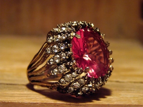 Fun and Funky Vintage Costume Ring by AntiqueAlchemists | Rings of the World | Scoop.it