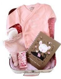 Idée cadeau, offrez un coffret valise au plus beau bébé de l'année - Le plus beau des cadeaux | Liste de naissance, futures mamans, cadeaux bébés | Scoop.it