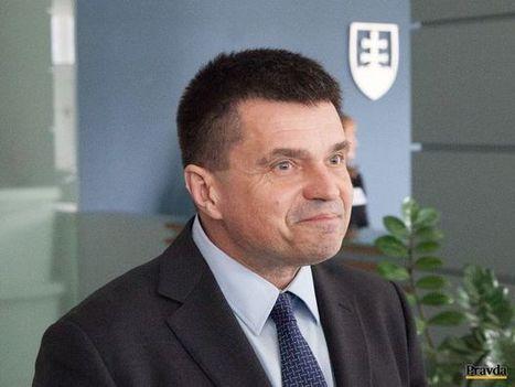 Plavčan ustúpil tlaku konzervatívnej verejnosti | Správy Výveska | Scoop.it