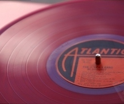 Whole Foods is selling vinyl records now, naturally | Kill The Record Industry | Scoop.it