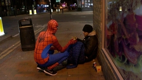 Revêtu du costume de Spider-Man, cet homme aide les sans-abri de Birmingham | Immobilier | Scoop.it