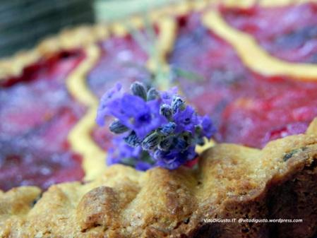 Crostata con composta di prugne fresche speziata alla cannella ed un abbinamento azzardato e sensuale con un rhum dorato   VitaDiGusto.IT   Scoop.it