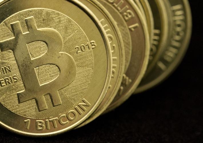 Bitcoin Price Plummets 20% to Under $690 as Mt Gox Exchange Suspends Withdrawals | money money money | Scoop.it