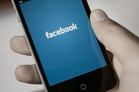Facebook's iPhone app adds easy chat access, plus support for Gifts   Anything Mobile   Scoop.it