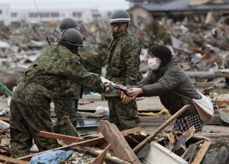 [Photo] Dommages et secours à Myagi   AP Photo   Japon : séisme, tsunami & conséquences   Scoop.it