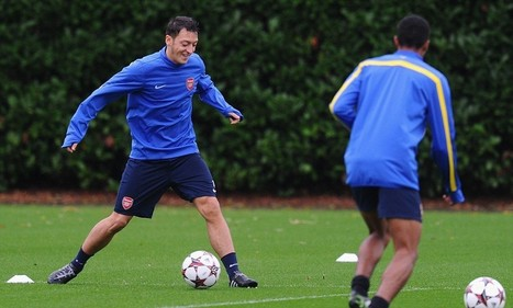 Mesut Ozil hails Arsenal's PlayStation football ahead of Dortmund game | Videogames and Reality | Scoop.it